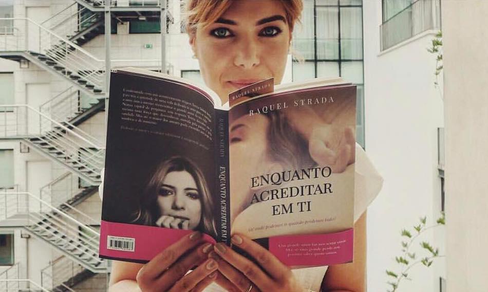 Raquel Strada com o seu novo livro