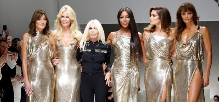 Modelos dos anos 90 no desfile da Versace em 2017