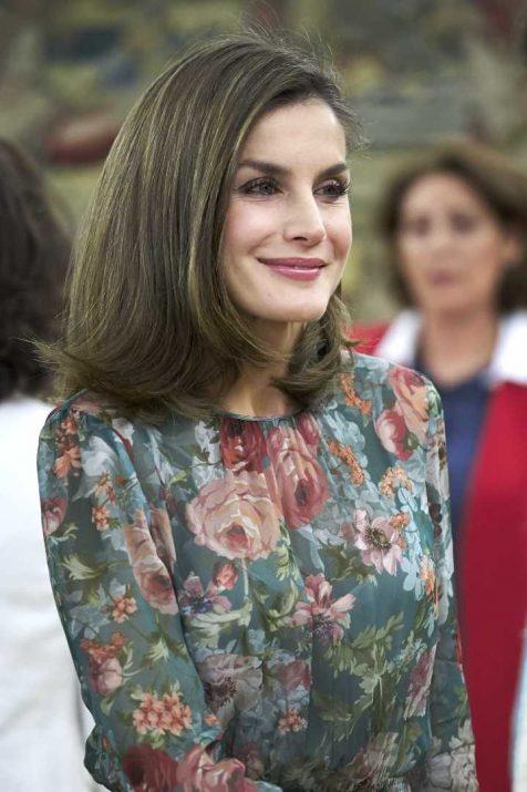 Rainha Letizia de Espanha veste vestido da Zara