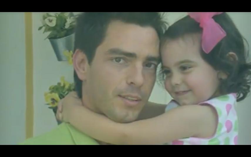 Claudio Ramos e a filha Leonor em bebe